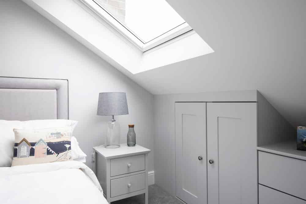 Best Loft Bedroom Ideas - Loft Conversion Bedroom Design ...